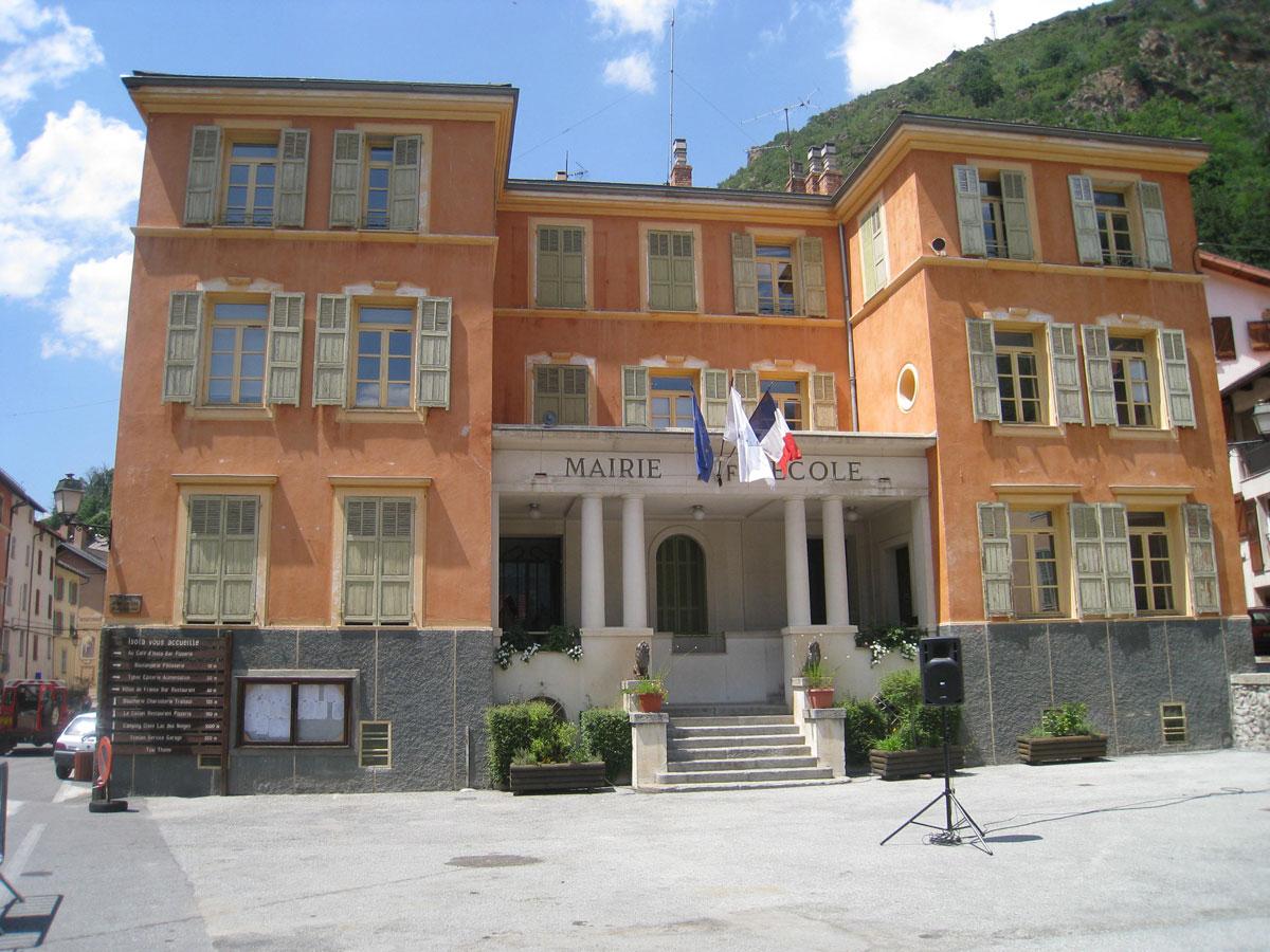 Isola, la mairie, tourisme et découverte