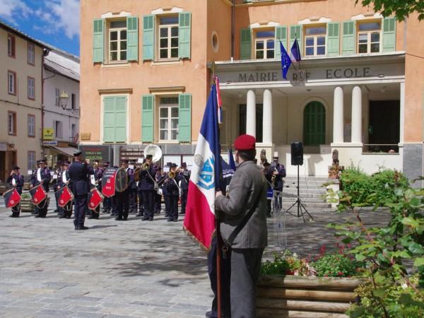 commemoration-mai-fanfare-isola