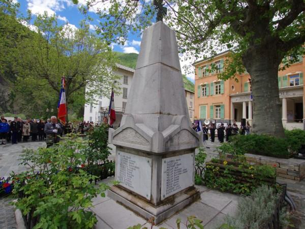 commemoration-monument-vue-generale-isola