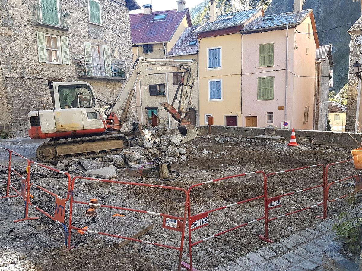 travaux-place-vieille-debut-demolition-isola-2017-01