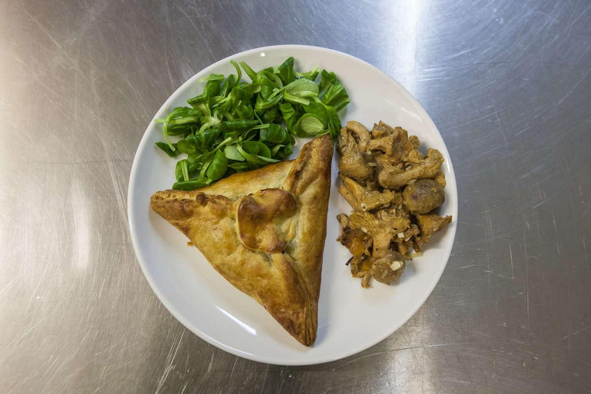 repas-gastronomique-fete-chataignes-2017-50-ans-isola-0018