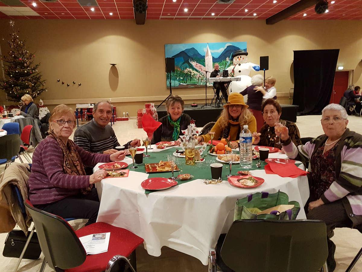 isola-repas-noel-seniors-0005