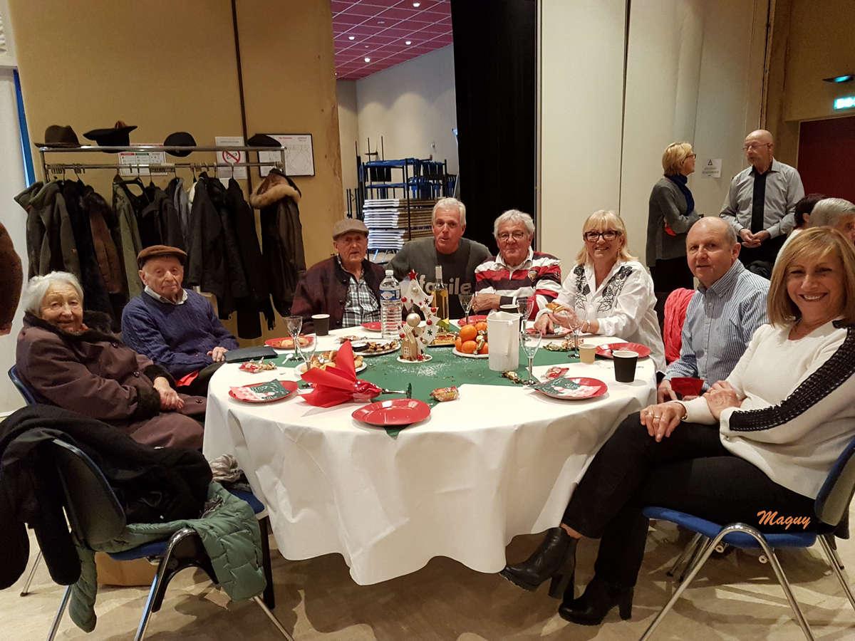 isola-repas-noel-seniors-0006