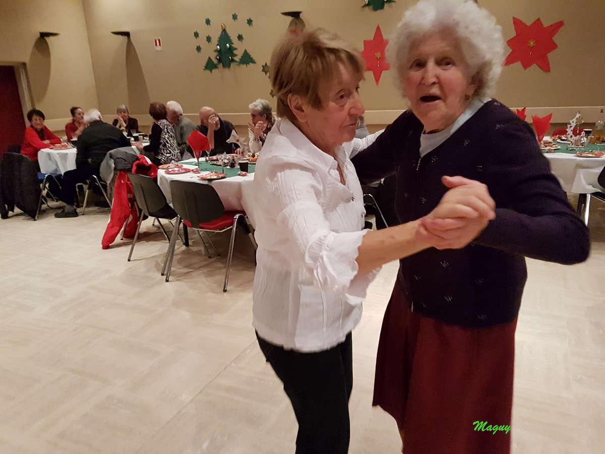 isola-repas-noel-seniors-0010