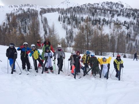 isola-2000-2018-enfants-deguises-a-ski-02