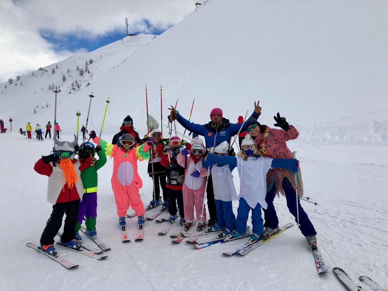 ski-deguise-des-enfants-ecole-isola-2000-2018