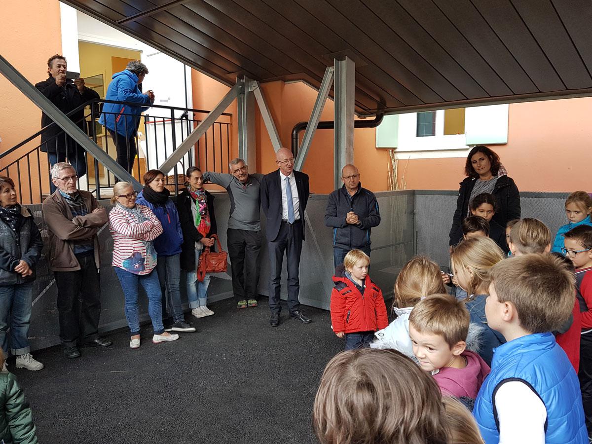 inauguration preau ecole isola maire enfants