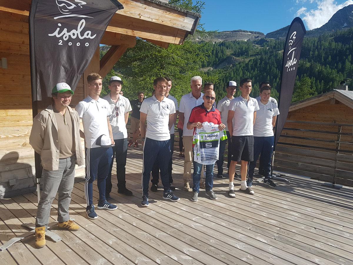Entrainement cyclisme, l'équipe officielle Fortuneo s'entraine à Isola 2000