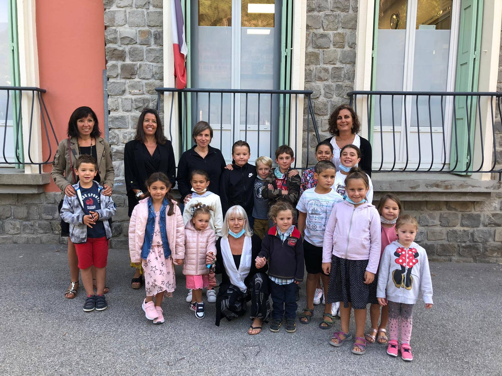Rentrée des classes à Isola Village